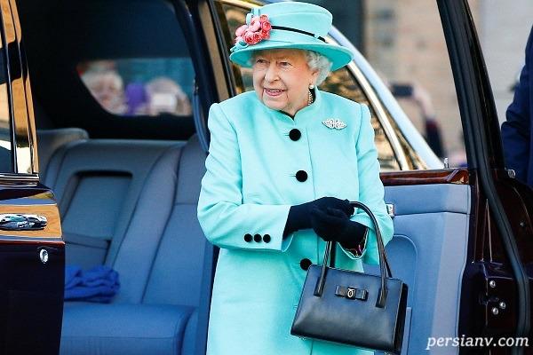 کیف ملکه انگلیس چه رازی درونش نهفته دارد؟