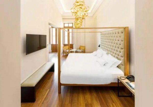 هتل لوکس و لاکچری رونالدینیو