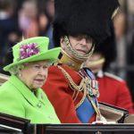 لباس ملکه انگلیس سوژه شوخی کاربران فضای مجازی شد