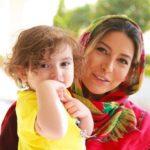 فریبا نادری و همسر و دخترش در روزهای قرنطینه