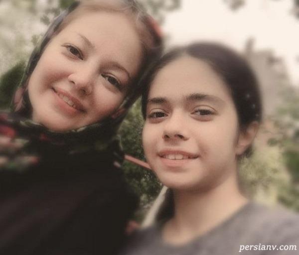 رزیتا غفاری و دخترش