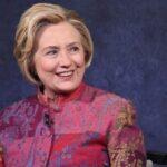 چهره متفاوت هیلاری کلینتون بدون آرایش و با ماسک