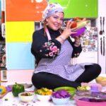 پریدن بهاره رهنما بازیگر پرحاشیه روی میز اُپن آشپزخانه