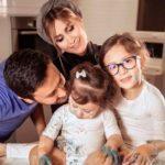 خانواده همسر شاهرخ استخری , پدر , مادر و برادر همسرش