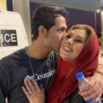 بازگشت پسر نسرین مقانلو از آمریکا و استقبال خانم بازیگر در فرودگاه
