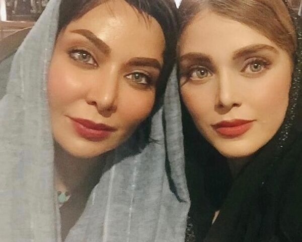 فقیهه سلطانی و خواهرش