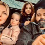 اجرای زنده رضا صادقی خواننده پاپ و دخترش تیارا با پیانو