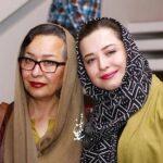 چهره آزیتا حاجیان شکسته و پیر در کنار دخترش ملیکا شریفی نیا