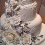جنجالی شدن کیک عروسی عروس و داماد آمریکایی!
