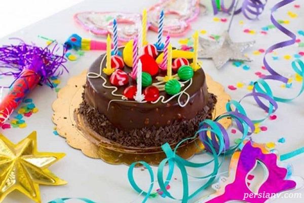 حادثه کوبیدن کیک به صورت دختر جوان در روز تولدش