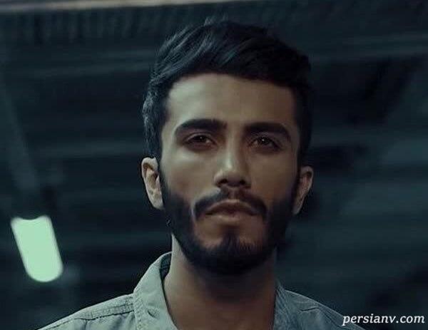 واکنش محیا اسناوندی مجری به مهاجرت مهراد جم خواننده روی آنتن زنده