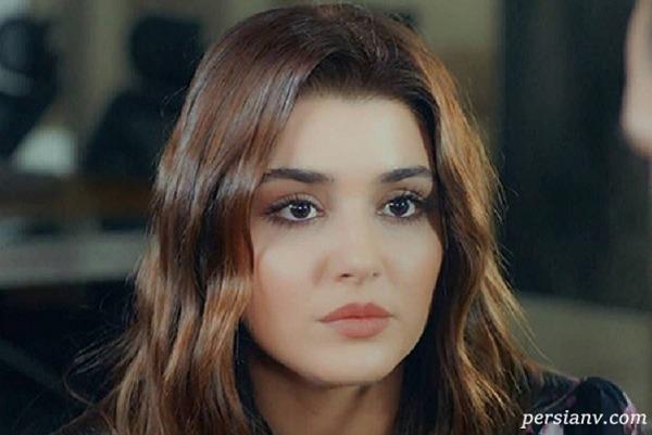 شباهت جالب هانده ارچل زیباترین بازیگر مسلمان به مادرش