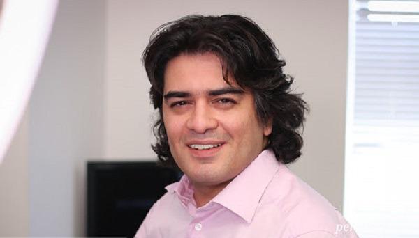 هومن حاجی عبداللهی در منزل سامان احتشامی پیانیست مشهور