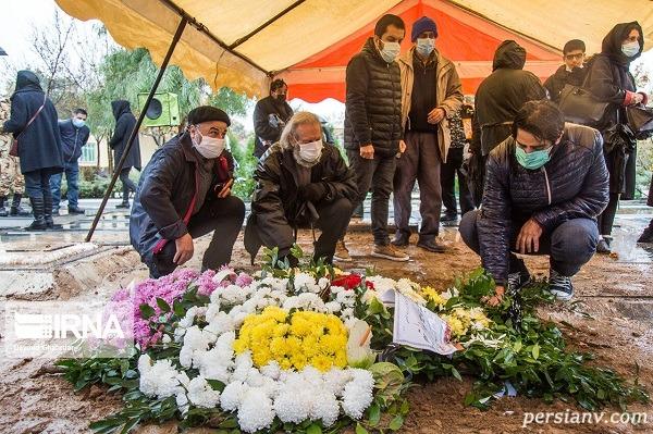 مراسم خاکسپاری پرویز پورحسینی