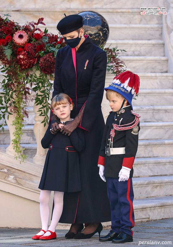 شارلین و دو فرزندش