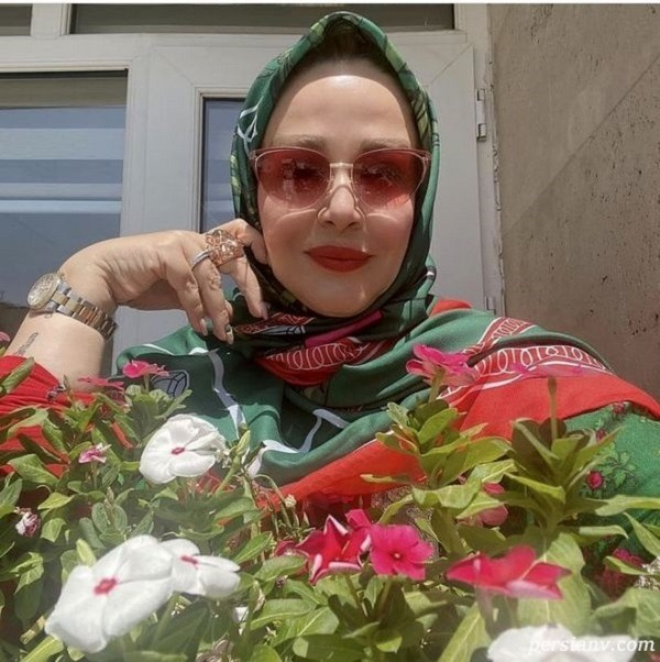 حیاط خانه بهاره رهنما