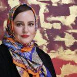 عکس تولد نعیمه نظام دوست در کنار داریوش فرضیایی و طراح لباسش