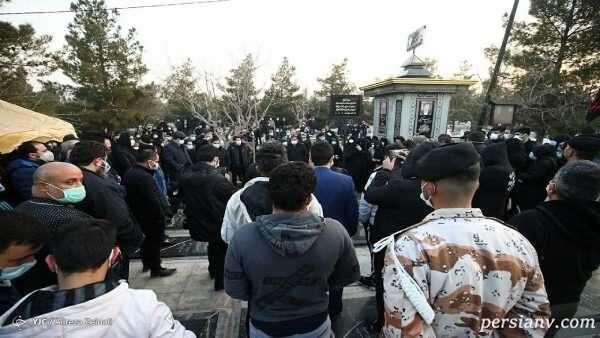جمعیت حاضر در مراسم خاکسپاری