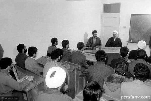 آیتالله خامنهای در کلاس درس