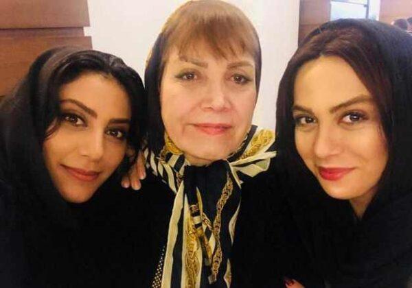 خواهران بازیگر و مادرشان