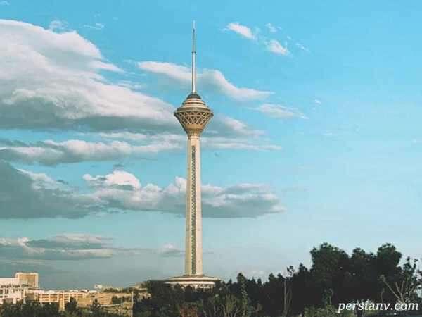 بالارفتن از پله های برج میلاد با دست و پای بسته