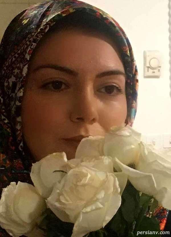 رسم گل رز سفید آزاده نامداری و همسرش