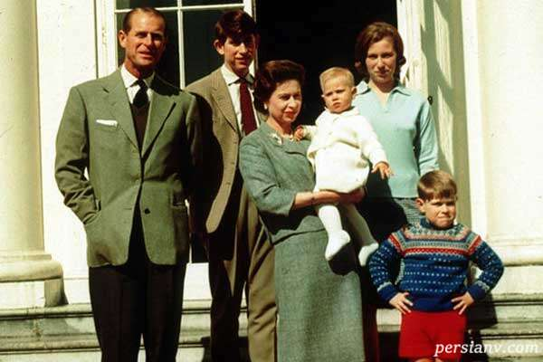 نتیجه های ملکه الیزابت و همسرش پرنس فیلیپ در عکس دیده نشده