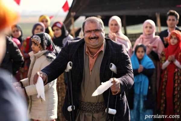 کاظم نوربخش بازیگر نقش سلمان نون خ همراه همسر و دختراش