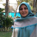 المیرا شریفی مقدم مجری شبکه خبر بر سر مزار پدرش