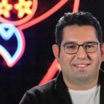 بغض محمدرضا احمدی مجری ورزشی در گفتوگوی تلفنی با همسرش