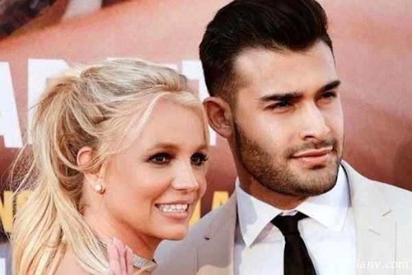 حلقه ازدواج الماسنشان «شیر» بریتنی اسپیرز خواننده معروف