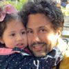 یک روز گردش شاهرخ استخری در بلژیک با دخترش نبات