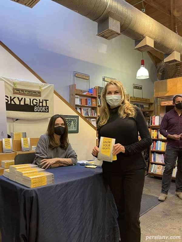 آنجلینا جولی در مراسم امضای کتاب جدیدش