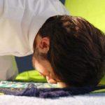 در چه صورتی نمازگزار میتواند با لباس و یا بدن نجس نماز بخواند؟