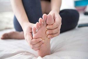 بارداری و تغییرات پا | چه کفشی مناسب است؟