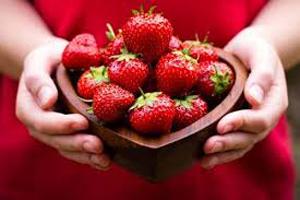 توت فرنگی در بارداری   باید در بارداری این میوه را بخورید