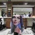رنگ کردن مو  چه بلایی سر این خانم در آرایشگاه زنانه آوردندکه تا صبح بیدار بوده؟!