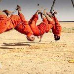 داعش ۳ اعدامی را زنده زنده در آتش سوزاند+ عکس