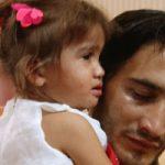 ملیکا دختر مشهدی به پدرش تحویل داده شد + فیلم و تصاویر