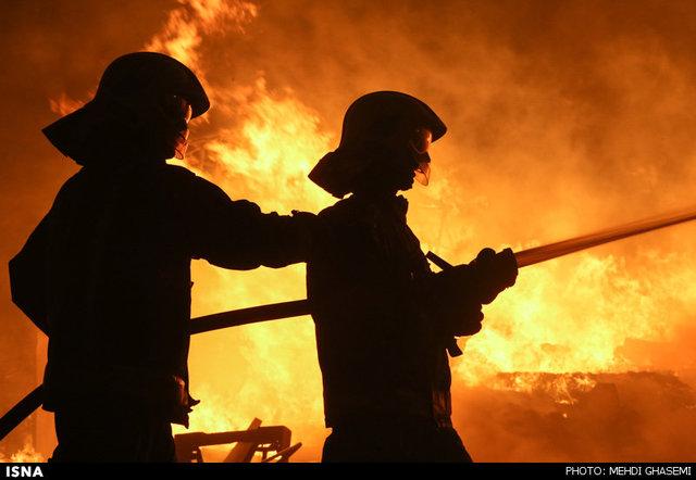 دکل حفاری رگ سفید همچنان در آتش میسوزد! |آخرین وضعیت مصدومان