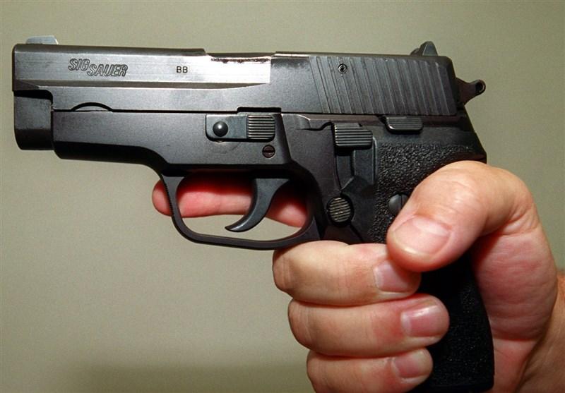 تیراندازی مرگبار به مرد جوان مقابل چشمان فرزندش در تهران!