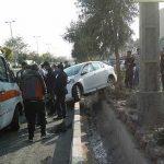 تصادف دو خودرو در تهرانسر   راننده مزدا به بیرون پرتاب شد !