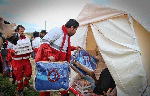 چادر زدن دو سارق برای دریافت کمک به زلزله زدگان!