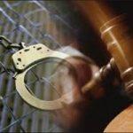 بازداشت پدر و مادری که ۱۳ فرزند خود را با زنجیر بسته بودند| تصویری از پدر و مادر روانی