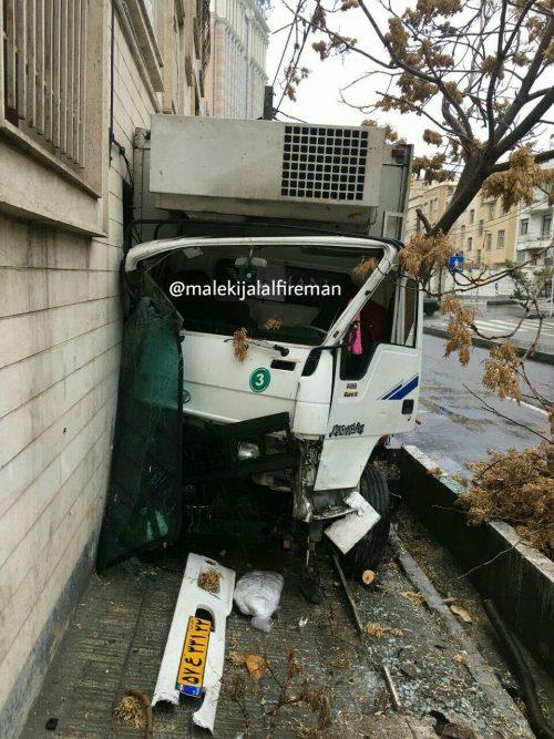 تصادف کامیونت در سعادتآباد
