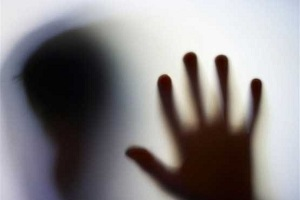 ربودن شبانه دختری جوان از مقابل بیمارستان توسط سه پسر شیطان صفت!!
