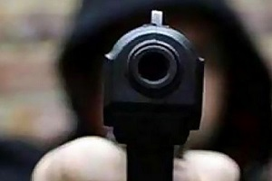 قتل پدر و مادر با اسلحه توسط مرد جوان در خیابان دماوند تهران!!