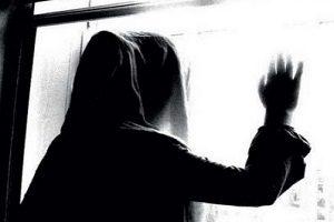 ماجرای زن مطلقه ای که زندگی دختر جوان مشهدی را تباه کرد!