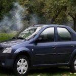 تصاویری از آتش گرفتن ناگهانی یک خودرو در خیابانی در تهران!