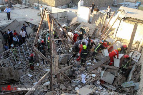 ریزش ۳ ساختمان مسکونی در مشهد با 10 نفر کشته!!